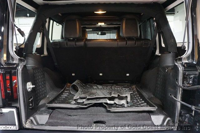 2015 Jeep Wrangler Unlimited 4WD 4dr Rubicon - 19504081 - 35