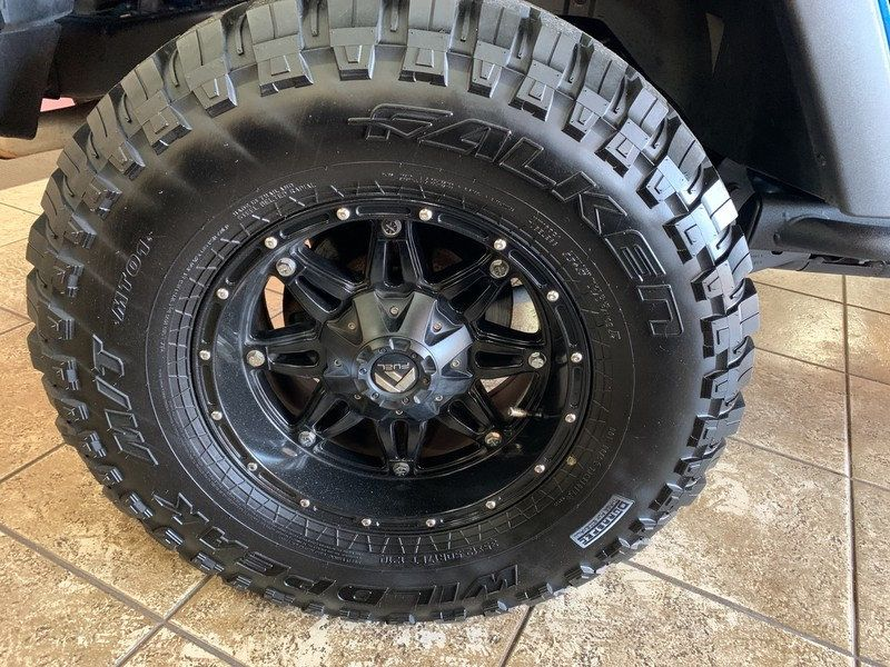 2015 Jeep Wrangler Unlimited 4WD 4dr Rubicon Hard Rock - 19435140 - 40