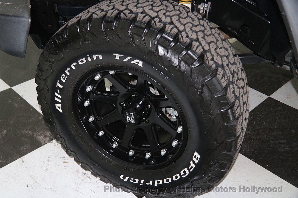 2015 Jeep Wrangler Unlimited 4WD 4dr Sahara - 17081038 - 29