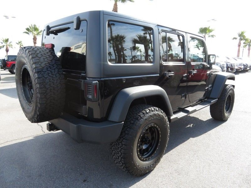 2015 Jeep Wrangler Unlimited 4WD 4dr Sport - 17407111 - 11
