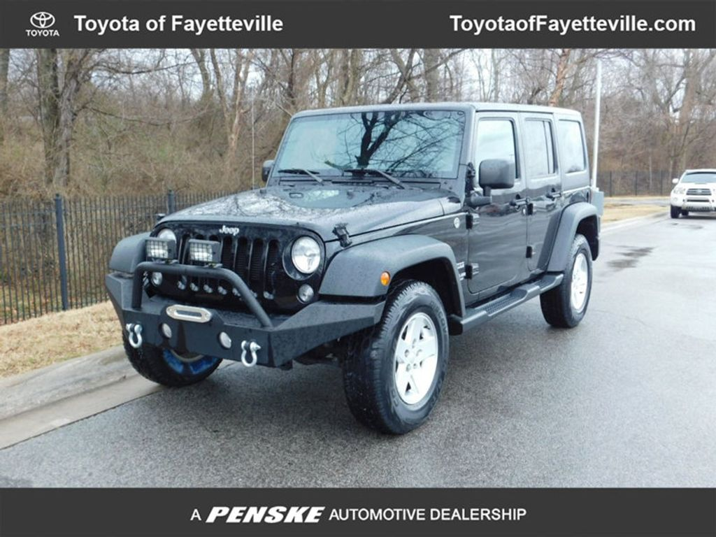 2015 Jeep Wrangler Unlimited 4WD 4dr Sport - 17323560 - 0
