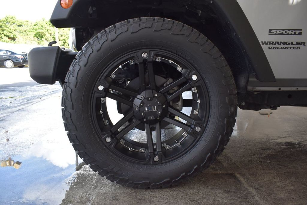 2015 Jeep Wrangler Unlimited Sport - 18268262 - 11