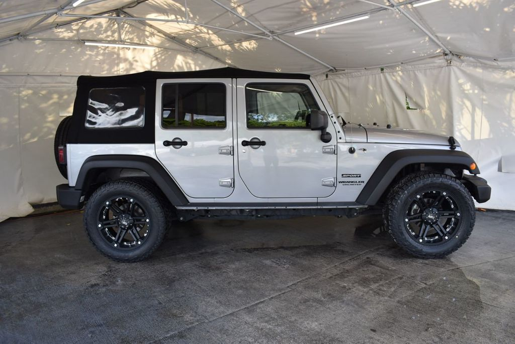 2015 Jeep Wrangler Unlimited Sport - 18268262 - 2