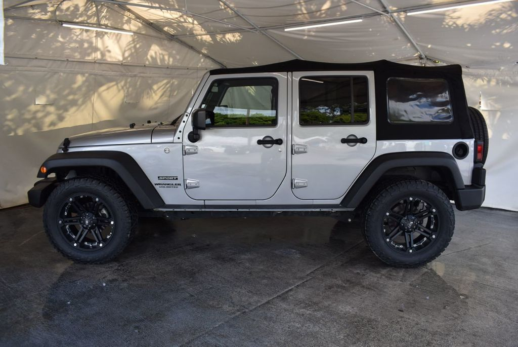 2015 Jeep Wrangler Unlimited Sport - 18268262 - 4