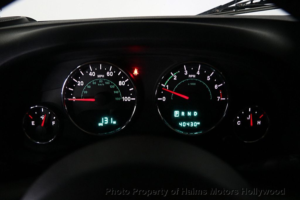 2015 Jeep Wrangler Unlimited Sport - 16088852 - 25