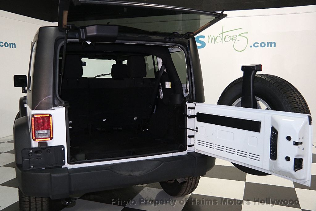 2015 Jeep Wrangler Unlimited Sport - 16088852 - 7