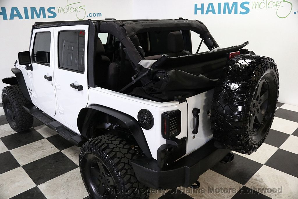 2015 Jeep Wrangler Unlimited Sport - 17793771 - 10