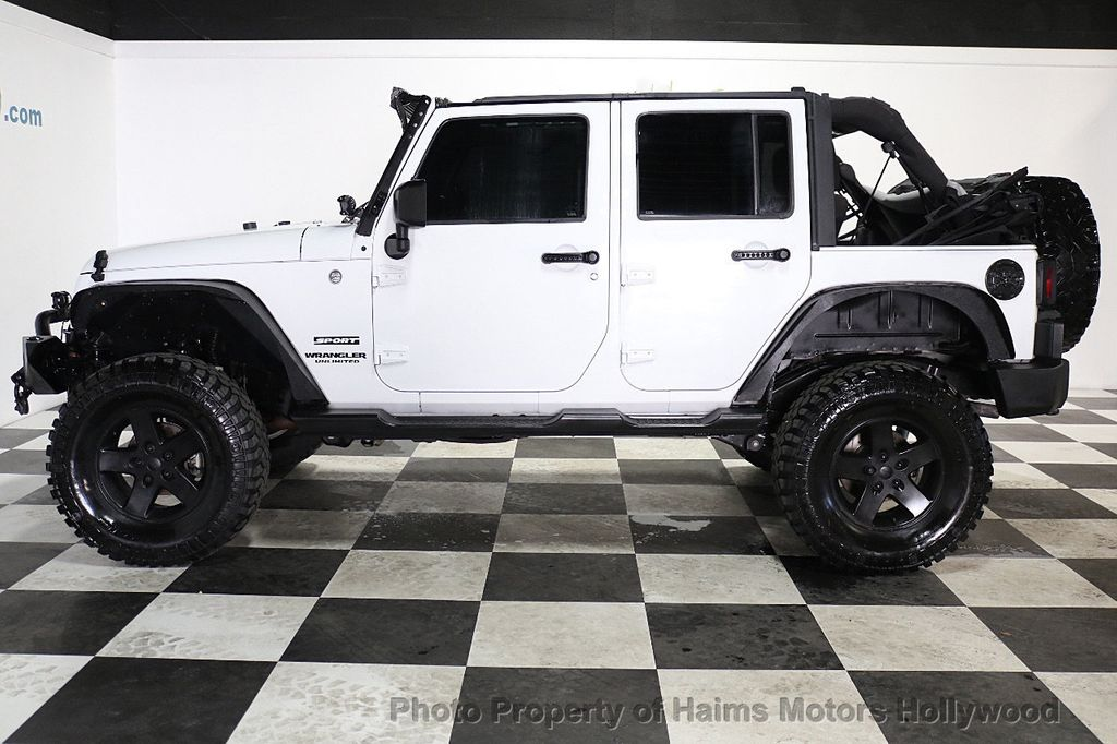 2015 Jeep Wrangler Unlimited Sport - 17793771 - 11