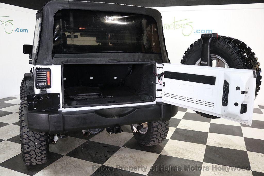 2015 Jeep Wrangler Unlimited Sport - 17793771 - 24