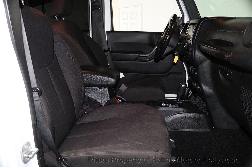 2015 Jeep Wrangler Unlimited Sport - 17793771 - 29