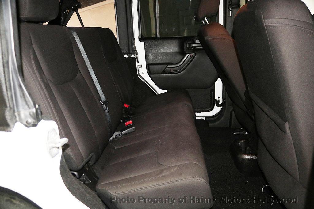 2015 Jeep Wrangler Unlimited Sport - 17793771 - 30