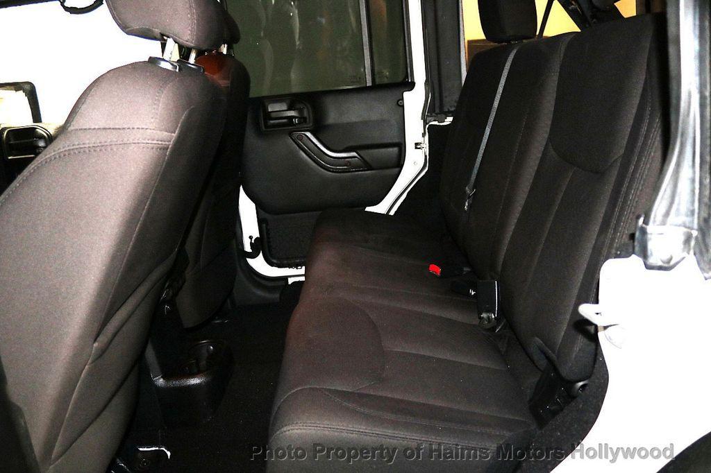 2015 Jeep Wrangler Unlimited Sport - 17793771 - 31