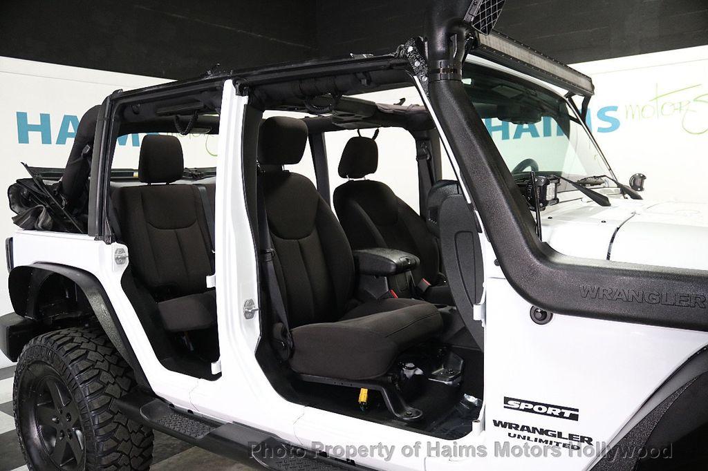 2015 Jeep Wrangler Unlimited Sport - 17793771 - 34