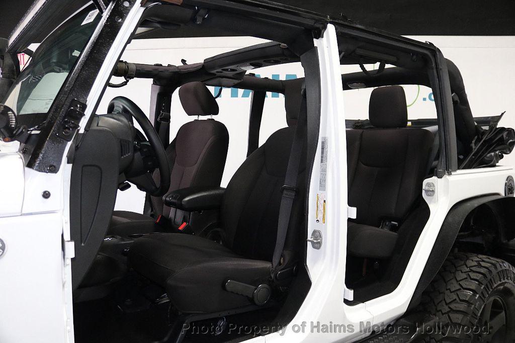 2015 Jeep Wrangler Unlimited Sport - 17793771 - 36
