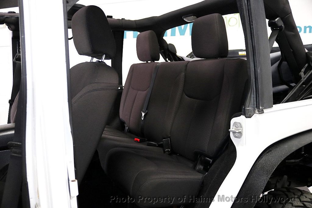 2015 Jeep Wrangler Unlimited Sport - 17793771 - 37