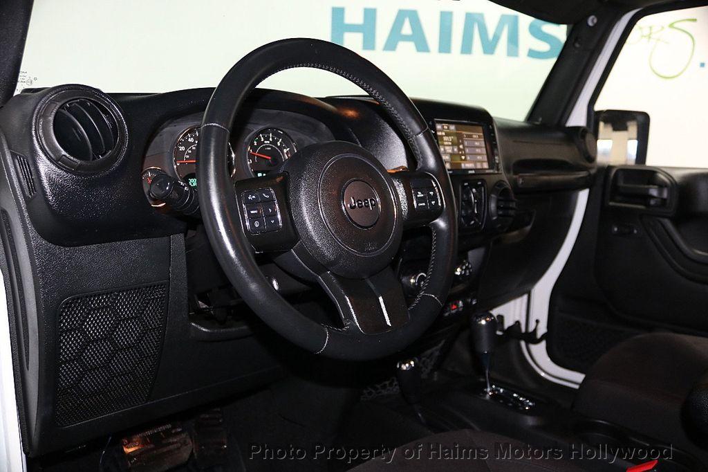 2015 Jeep Wrangler Unlimited Sport - 17793771 - 38