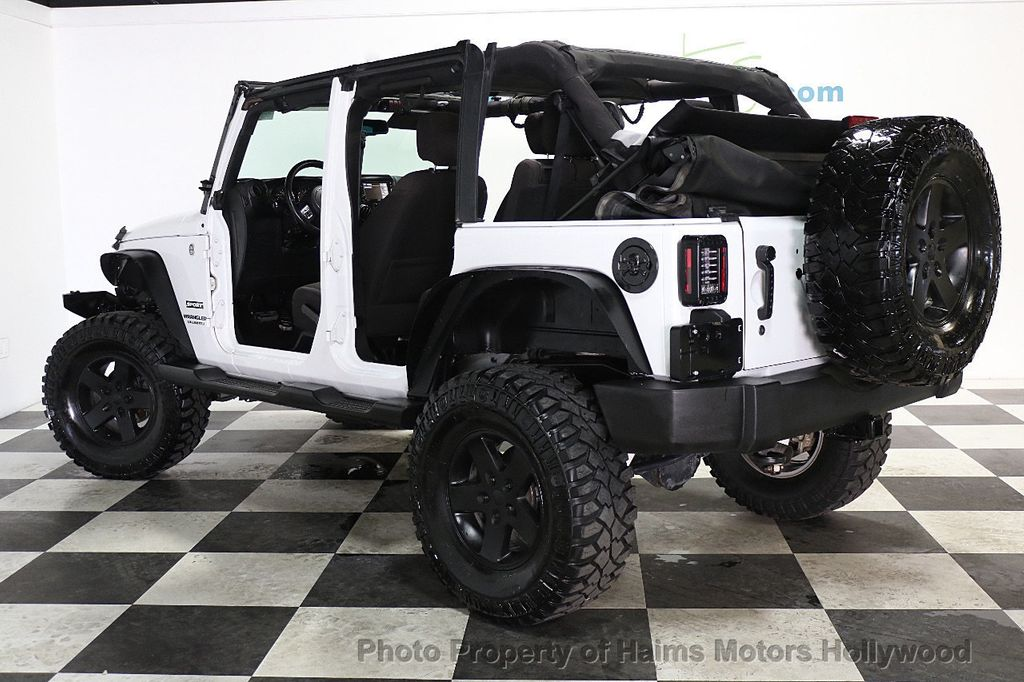 2015 Jeep Wrangler Unlimited Sport - 17793771 - 4