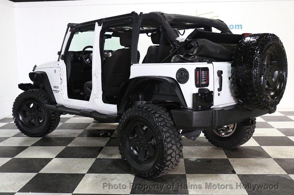 2015 Jeep Wrangler Unlimited Sport - 17793771 - 4