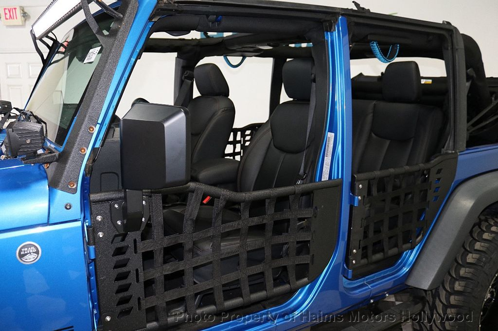 2015 Jeep Wrangler Unlimited Sport - 18571047 - 19