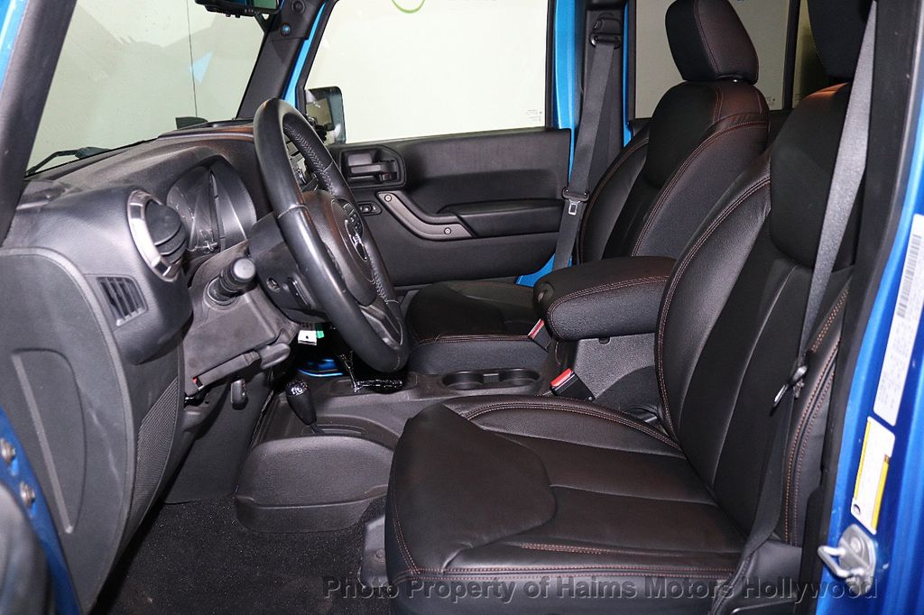 2015 Jeep Wrangler Unlimited Sport - 18571047 - 32