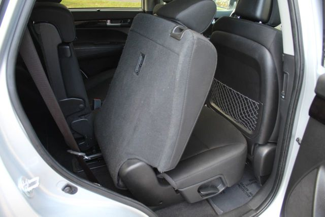 2015 Kia Sorento AWD LX 3RD ROW SEATING REVERSE BACK UP CAMERA - Click to see full-size photo viewer