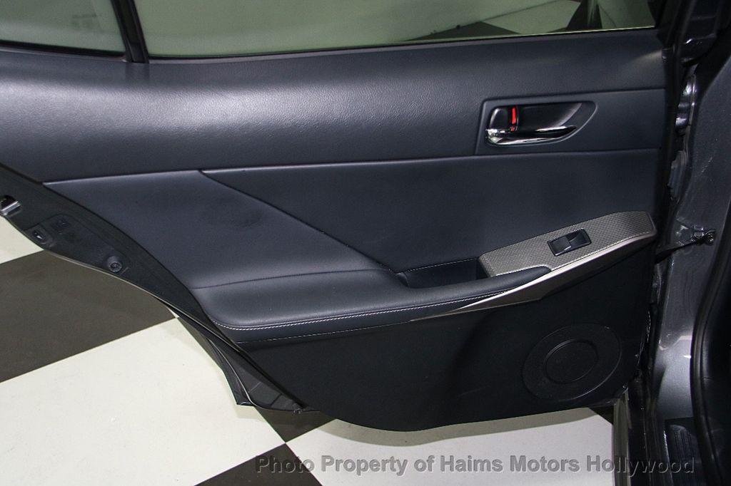 2015 Lexus IS 250 Base Trim - 16417913 - 11