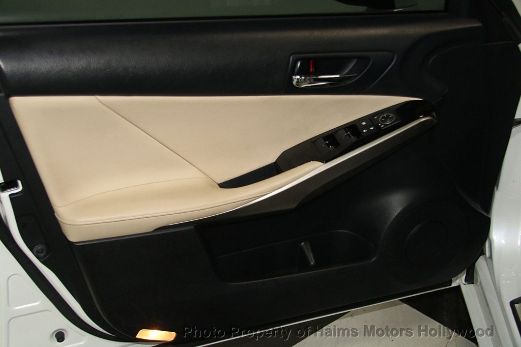 2015 Lexus IS 250 Base Trim - 17165118 - 9