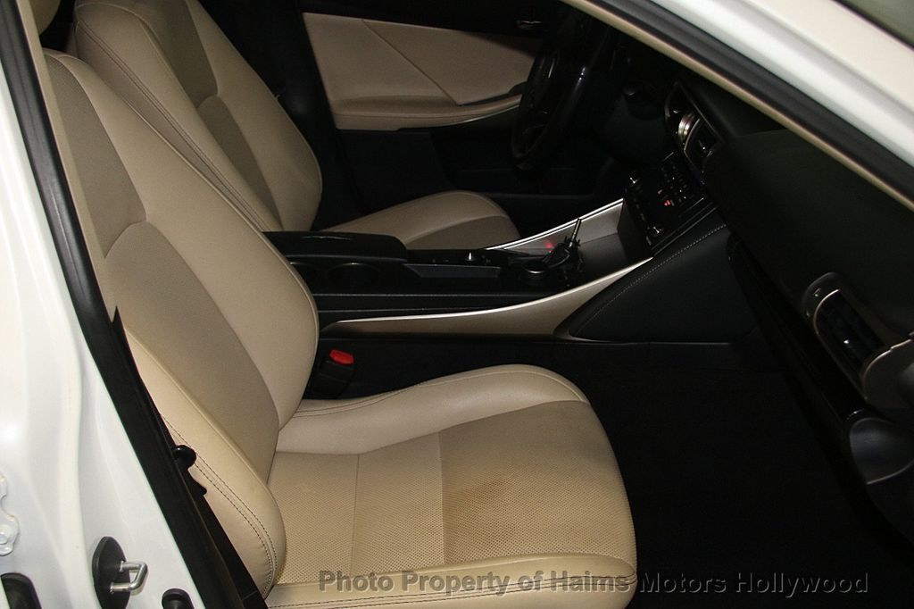 2015 Lexus IS 250 Base Trim - 17165118 - 13