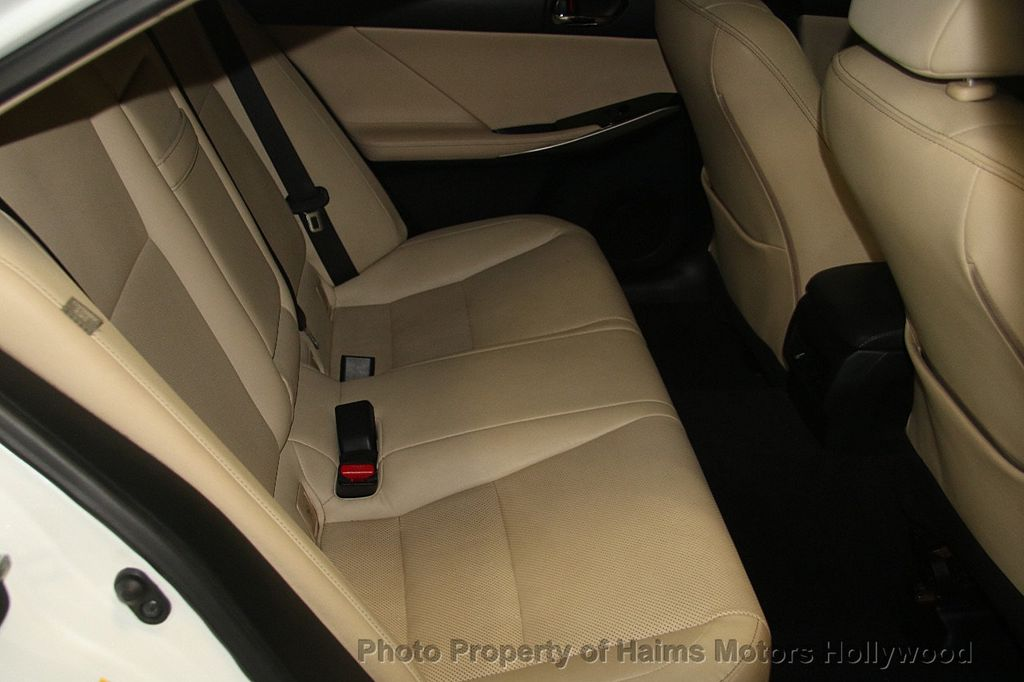 2015 Lexus IS 250 Base Trim - 17165118 - 14