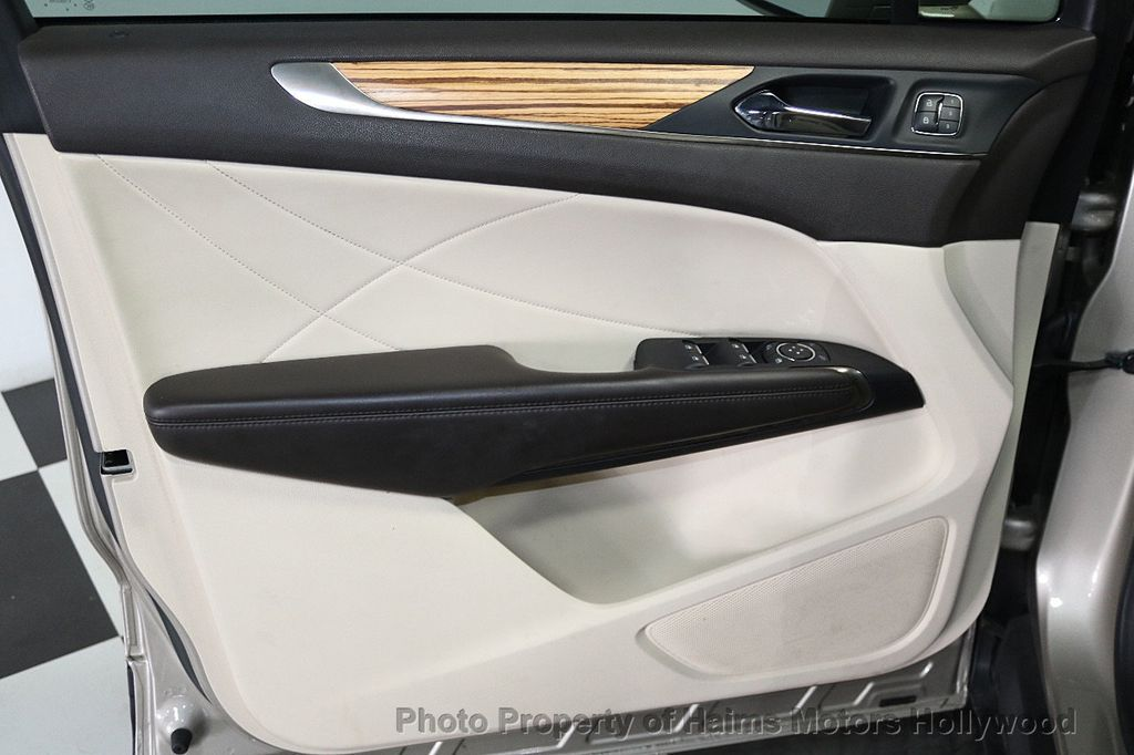 2015 Lincoln MKC FWD 4dr - 17785334 - 10