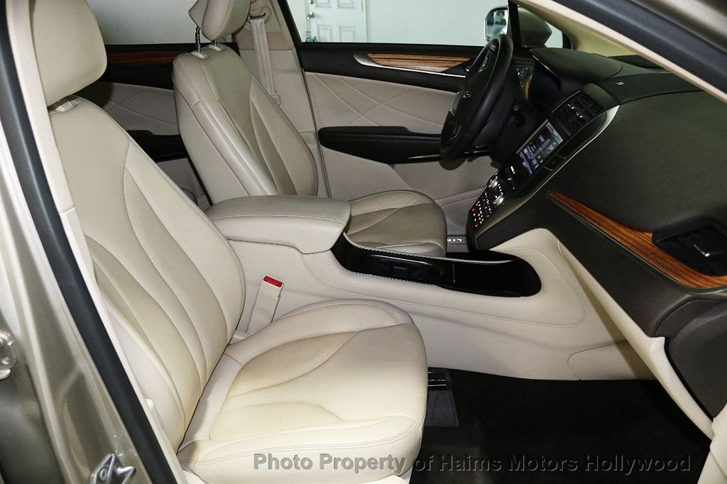 2015 Lincoln MKC FWD 4dr - 17785334 - 14