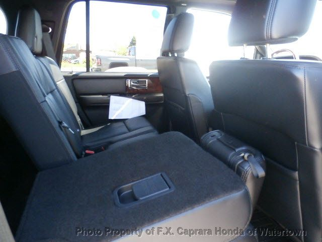 2015 Lincoln Navigator 4WD 4dr - 18618858 - 11