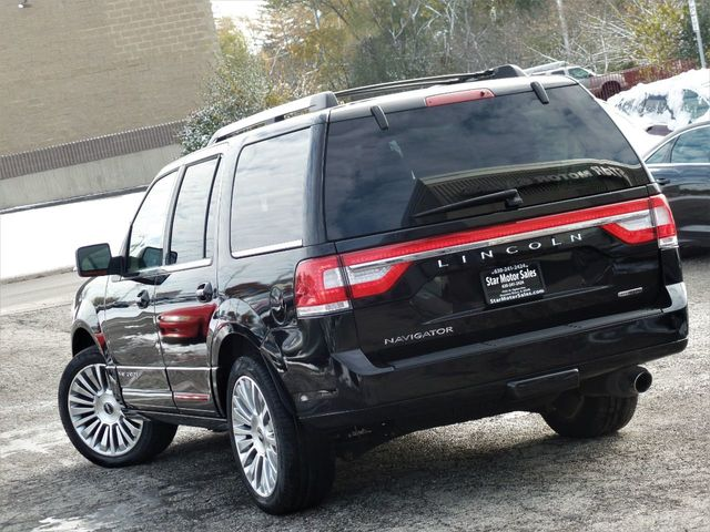 2015 Lincoln Navigator 4WD 4dr - Click to see full-size photo viewer
