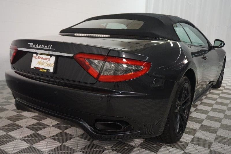 2015 Maserati GranTurismo Convertible 2dr Sport - 18488847 - 4