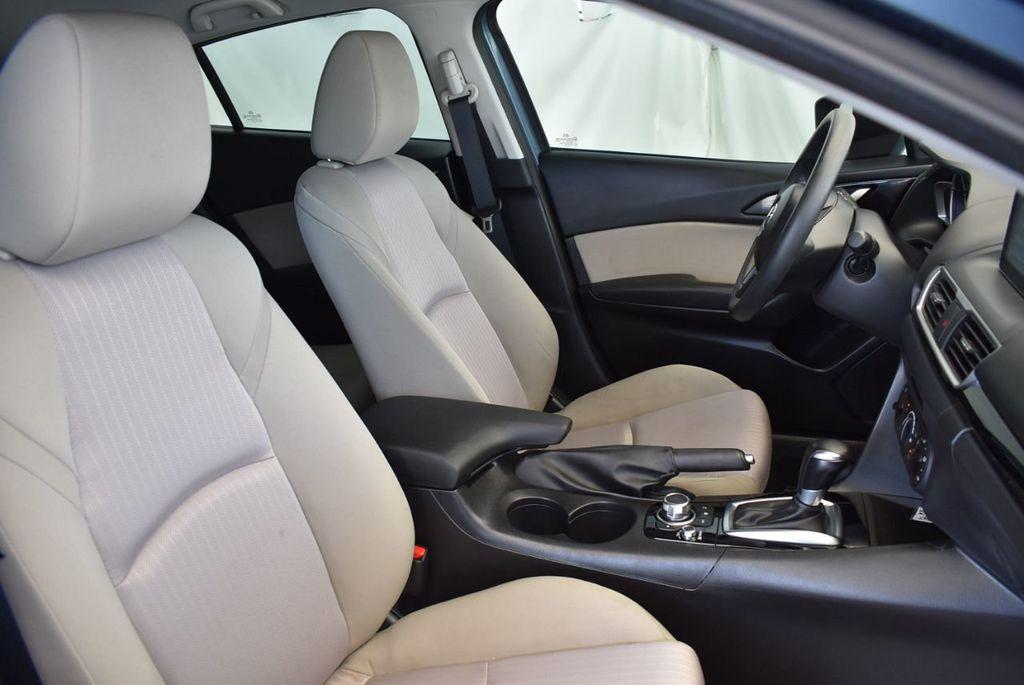 2015 Mazda Mazda3 4dr Sedan Automatic i Sport - 18044374 - 24