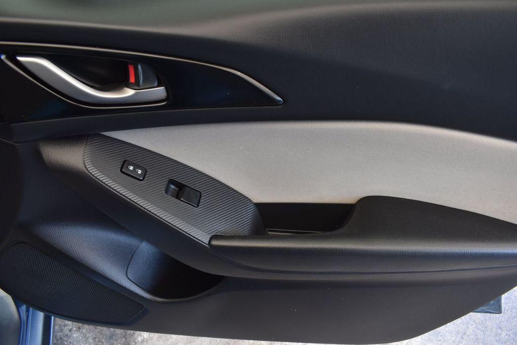 2015 Mazda Mazda3 4dr Sedan Automatic i Sport - 18044374 - 25
