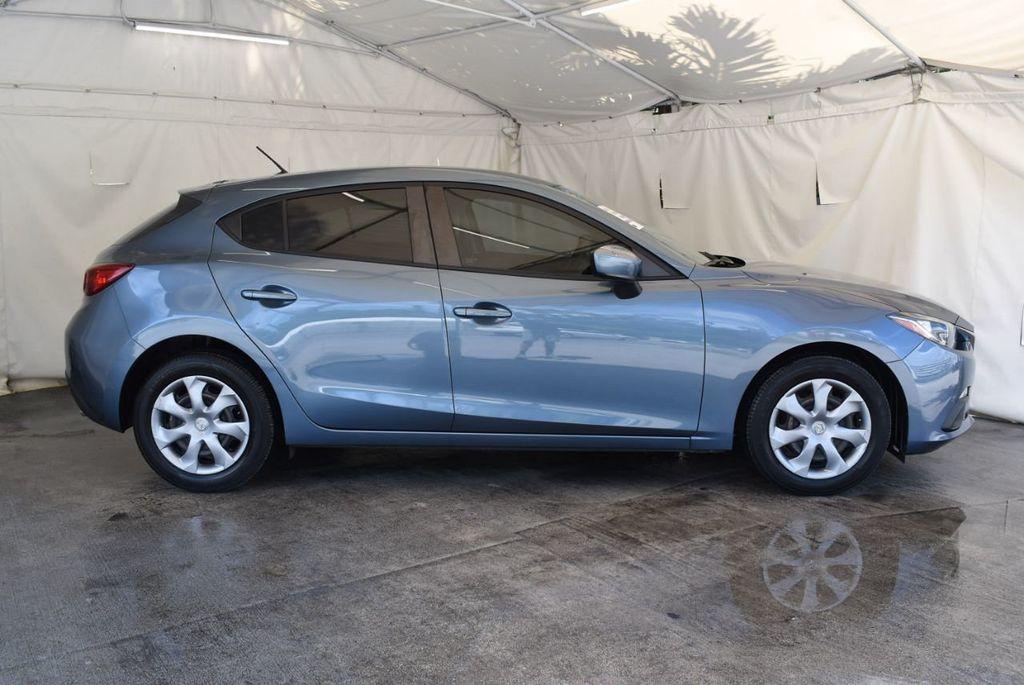 2015 Mazda Mazda3 4dr Sedan Automatic i Sport - 18044374 - 2