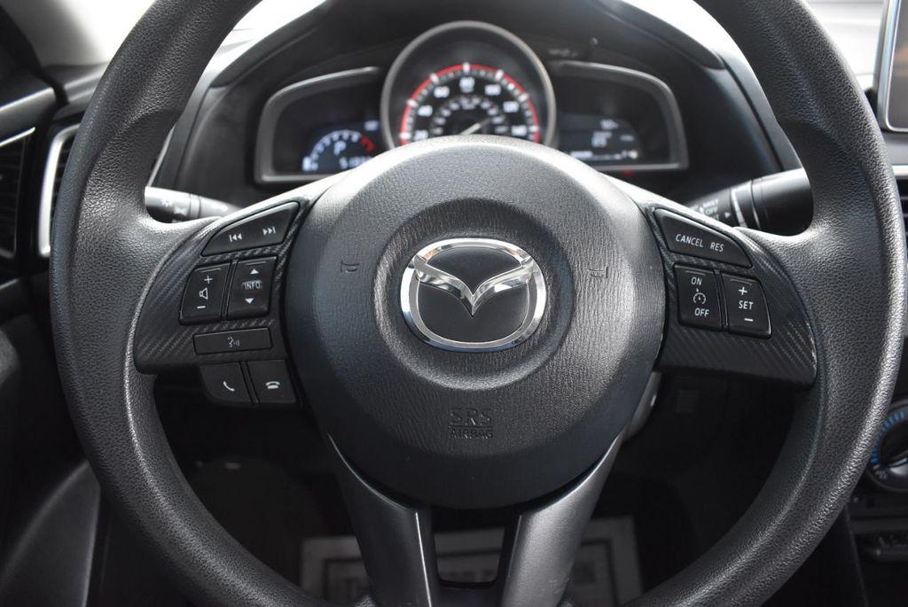 2015 Mazda Mazda3 I SPORT - 18319309 - 17