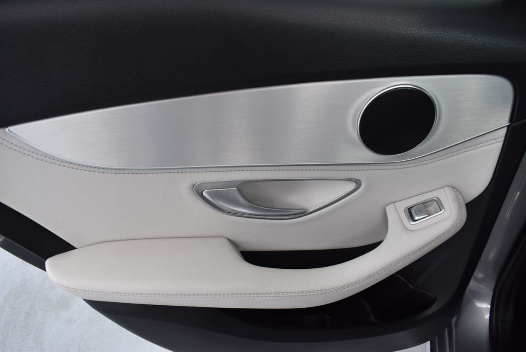 2015 Mercedes-Benz C-Class 4dr Sedan C 300 RWD - 18102133 - 13