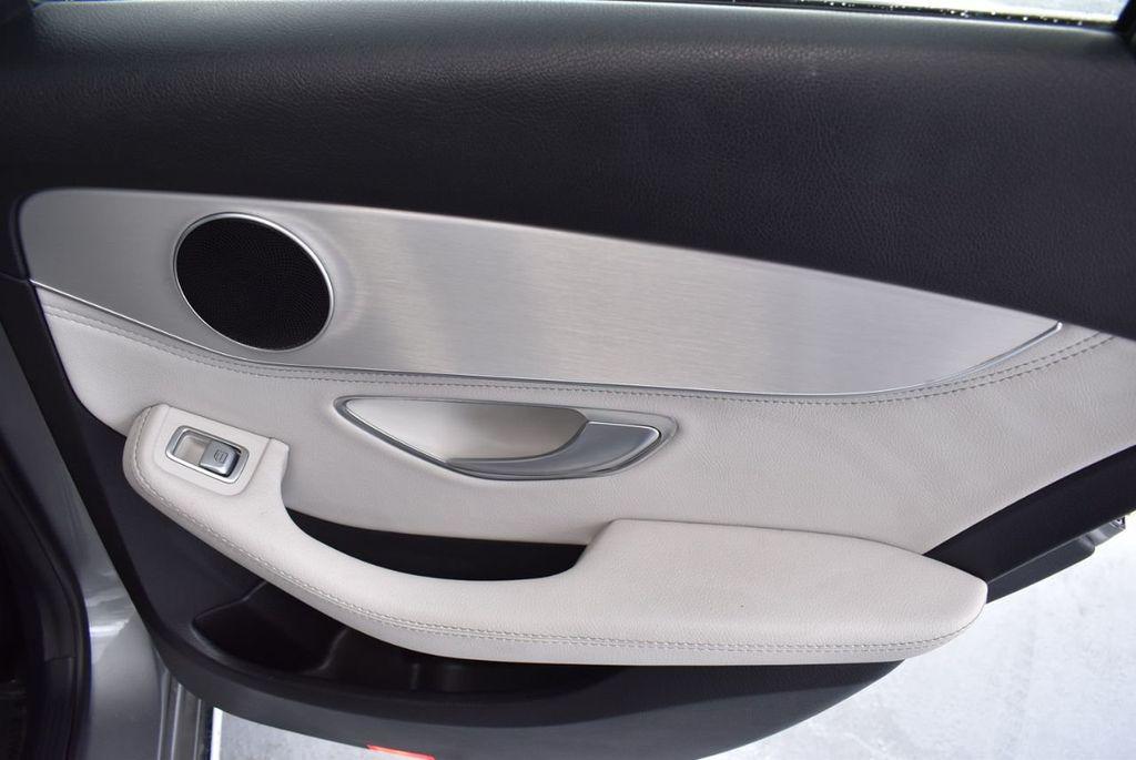 2015 Mercedes-Benz C-Class 4dr Sedan C 300 RWD - 18102133 - 23