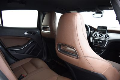 2015 Mercedes-Benz  amg sport  - Click to see full-size photo viewer