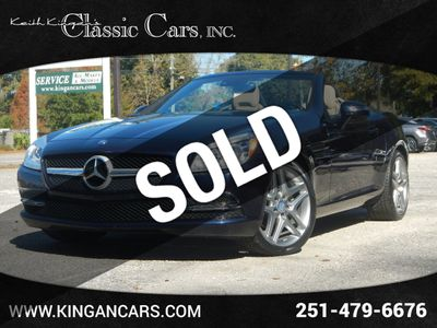 2015 Mercedes-Benz SLK w/NAVIGATION & PANO ROOF Convertible