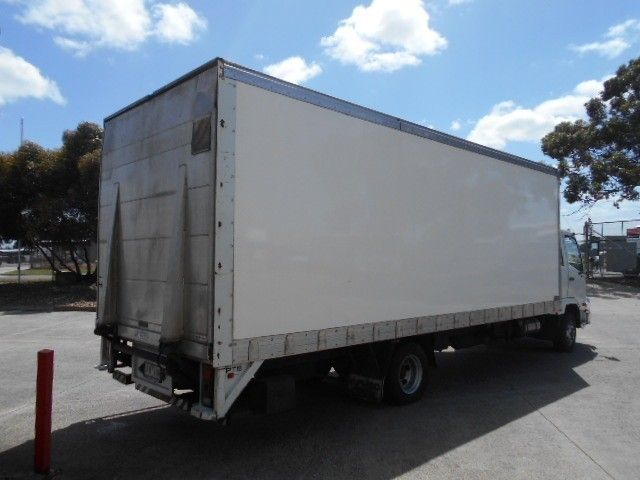 2015 Mitsubishi Fighter pantech 4x2 - 18653990 - 13