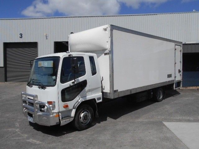 2015 Mitsubishi Fighter pantech 4x2 - 18653990 - 1
