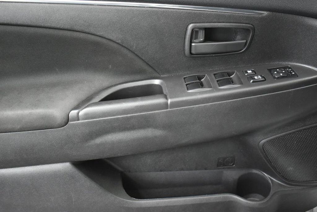 2015 Mitsubishi Outlander Sport  - 18689099 - 11