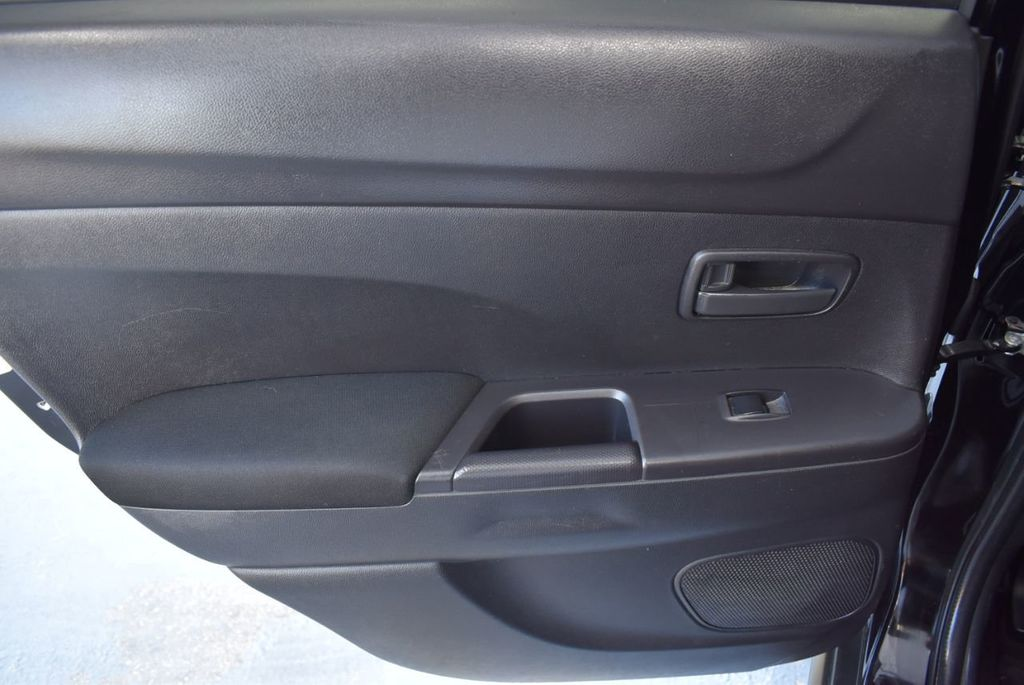 2015 Mitsubishi Outlander Sport 2WD 4dr CVT 2.4 ES - 18290860 - 15