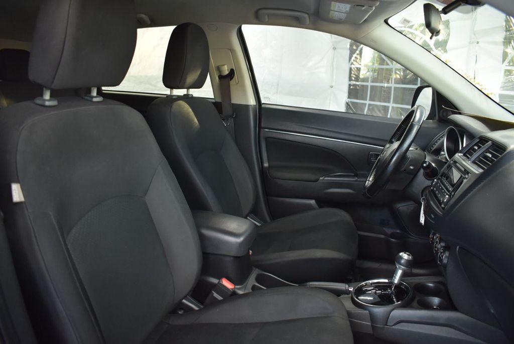 2015 Mitsubishi Outlander Sport 2WD 4dr CVT 2.4 ES - 18290860 - 25
