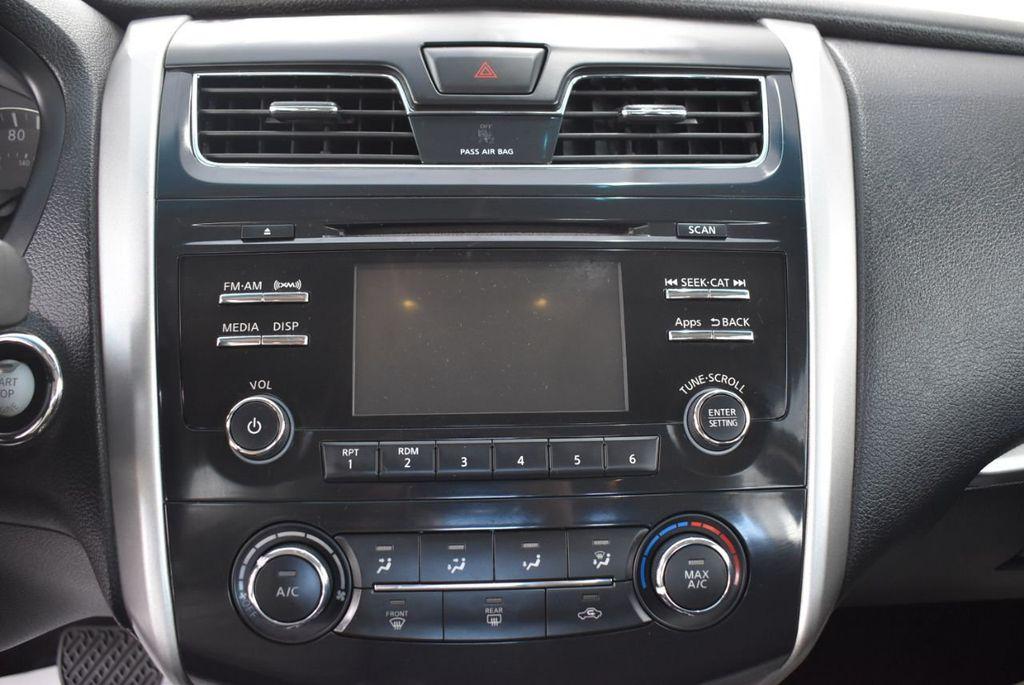 2015 Nissan Altima  - 18592296 - 22