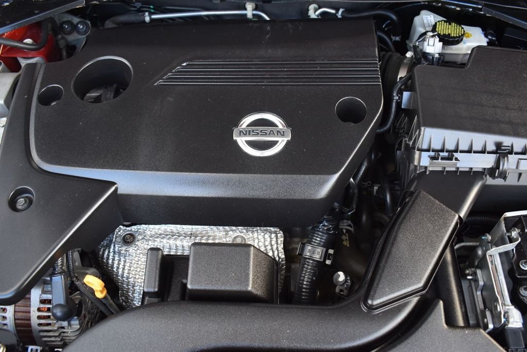 2015 Nissan Altima  - 18592296 - 24