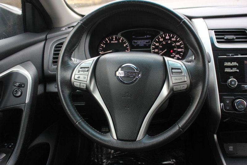 2015 Nissan Altima 4dr Sedan I4 2.5 SV - 18482314 - 11